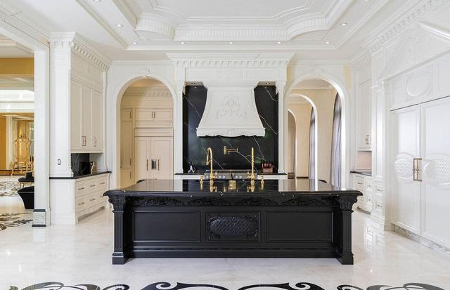 9 căn bếp giá tiền tỷ với nội thất dát vàng xa xỉ-9
