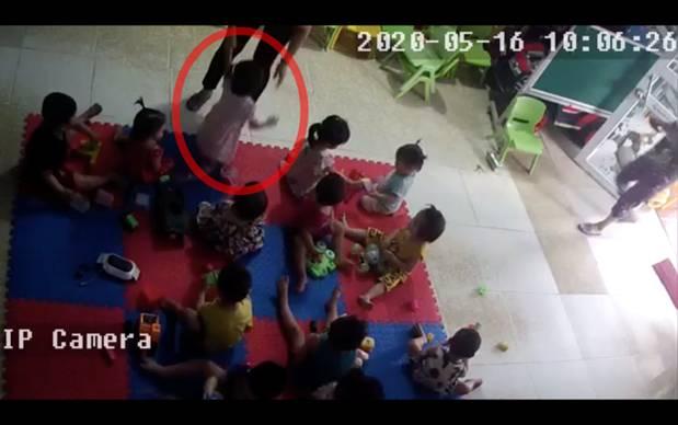 Bắc Giang: Nghi vấn cơ sở mầm non tư thục bạo hành dã man bé gái hơn 2 tuổi khi mới nhập học 3 ngày-2