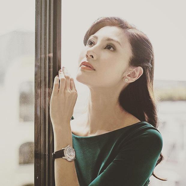 Hoa hậu đẹp nhất Hồng Kông từng dính tai tiếng giật chồng và cuộc sống hạnh phúc bên chồng đại gia-3