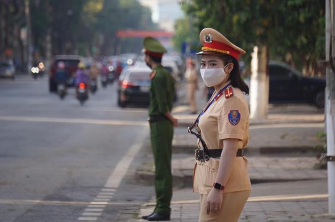 An ninh thắt chặt trong phiên tòa xét xử vụ gian lận thi cử ở Sơn La-2