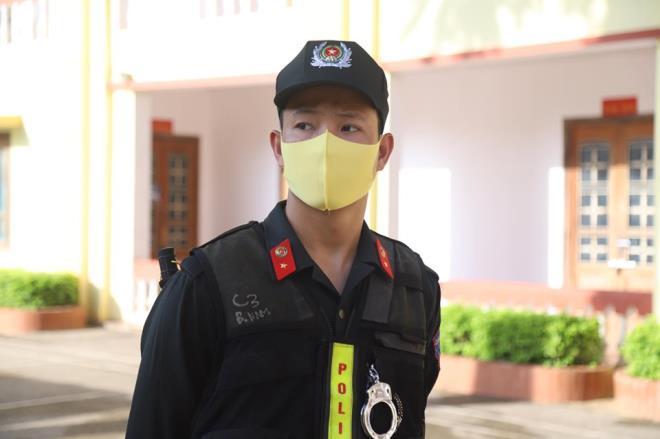 An ninh thắt chặt trong phiên tòa xét xử vụ gian lận thi cử ở Sơn La-8