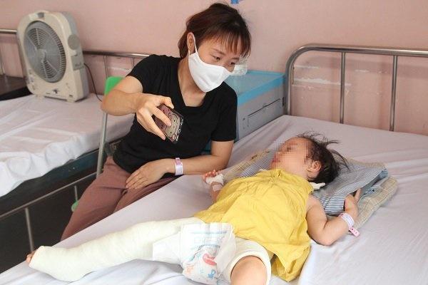 Mẹ thay bỉm, con khóc thét, ngỡ ngàng phát hiện đây là dấu hiệu bệnh gây tàn tật suốt đời-1