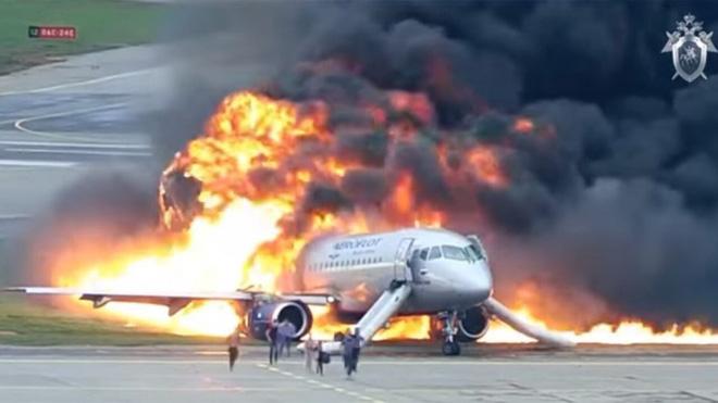 Lúc nào ngồi trên máy bay là nguy hiểm nhất: Cất cánh, hạ cánh hay đang ở trên không?-4
