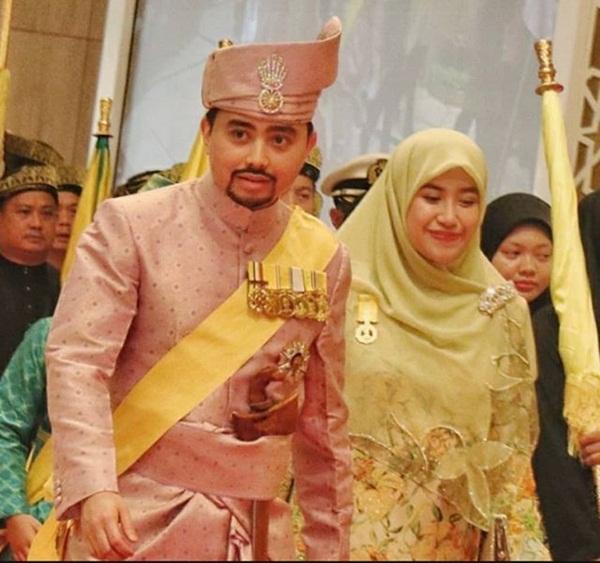 Nàng dâu hoàng gia từng gây choáng trong hôn lễ xa hoa kéo dài 11 ngày và phủ đầy vàng giờ có cuộc sống ra sao sau 5 năm?-7