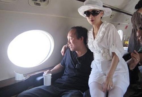 Tỷ phú gốc Việt từng khiến TT Trump nóng mặt, bỏ Hoa hậu lấy em gái Cẩm Ly-8
