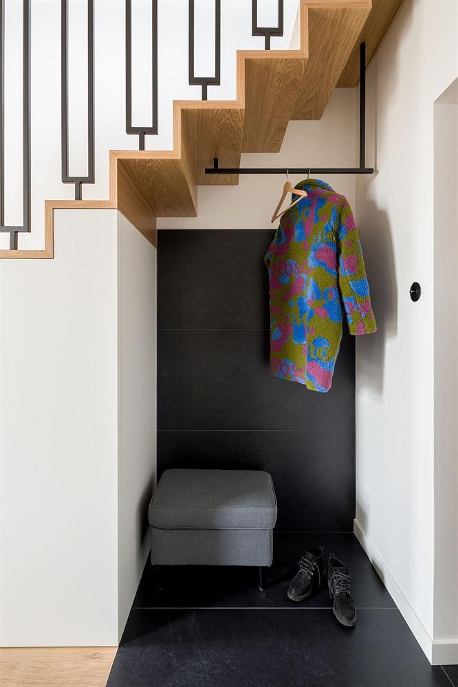 Căn hộ 52m² rộng thênh thang nhờ thiết kế gác lửng và cách lấy sáng hợp lý-10