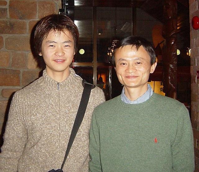 Khổ như con trai tỷ phú Jack Ma: Bị bố mẹ bỏ bê, đến khi nghiện game nặng mới được bố ra tay dạy dỗ một phen nhớ đời-3