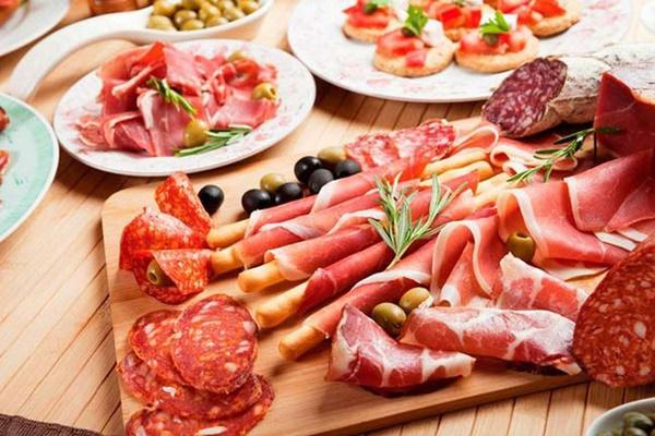 Bất kể nam hay nữ, trên 45 tuổi hãy tránh xa 3 loại thực phẩm, không làm 2 việc để ngừa nhồi máu não và giúp sống thọ-2