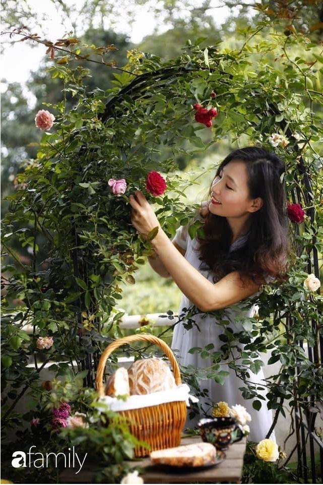 Bà mẹ trẻ ở Hà Nội chia sẻ kinh nghiệm trồng vườn treo Babylon ngay giữa lòng thành phố đã 10 năm vẫn xanh tốt-14