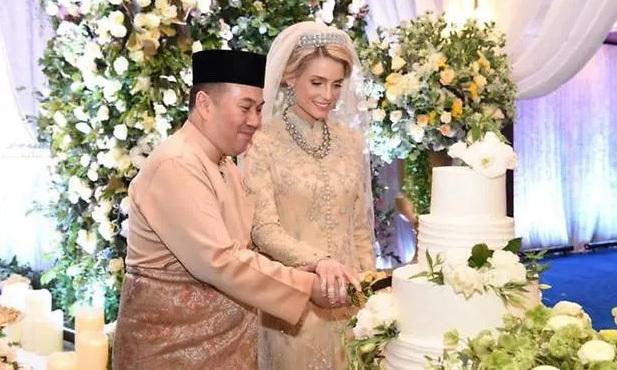 Từng bị phản đối vì quá khác biệt, nàng dâu ngoại quốc của hoàng gia Malaysia có cuộc sống thay đổi hoàn toàn sau 1 năm kết hôn với Thái tử-1