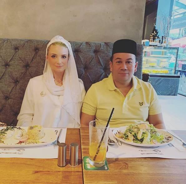 Từng bị phản đối vì quá khác biệt, nàng dâu ngoại quốc của hoàng gia Malaysia có cuộc sống thay đổi hoàn toàn sau 1 năm kết hôn với Thái tử-9