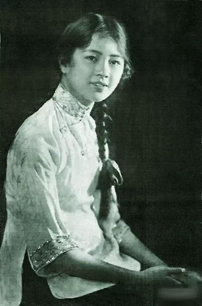 Ngũ đại tài nữ thời Trung Hoa Dân Quốc rốt cuộc xinh đẹp đến nhường nào mà từ những tấm ảnh cũ đã có thể nhận ra nét quyến rũ của họ?-3