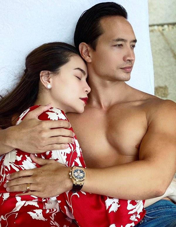 Hà Hồ - Kim Lý cùng đeo nhẫn ngón áp út, có khi nào đám cưới sắp diễn ra?-1