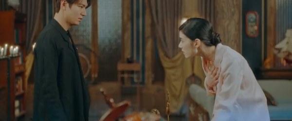 Cực hot tập 12 Quân vương bất diệt: Đỏ mặt cảnh hôn nóng bỏng của Lee Min Ho và Kim Go Eun ngay trên giường-7