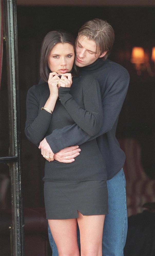 Tự truyện Victoria - bỏ bạn trai cũ, đêm đầu tiên với Beckham trong xe-3