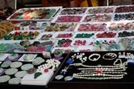 Phiên chợ triệu đô chuyên giao thương các loại đá quý giữa lòng Hà Nội