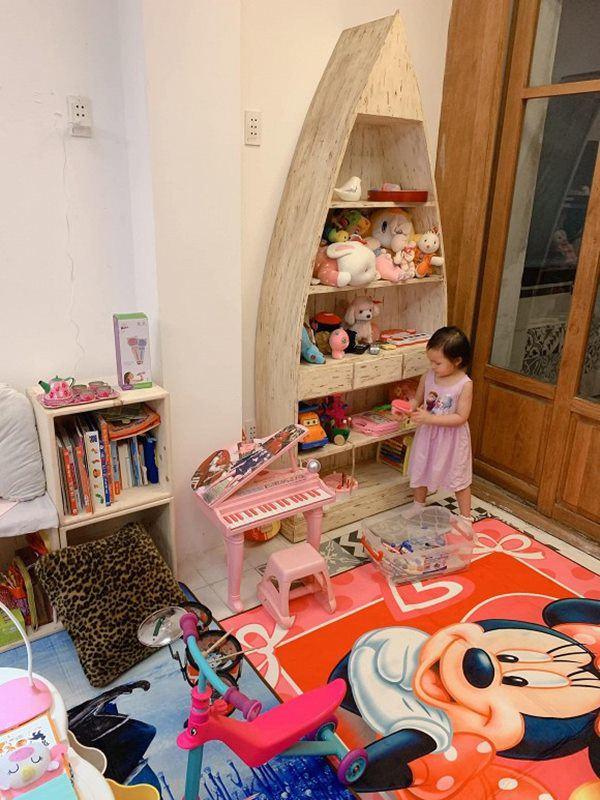 Yêu con gái như đại gia Đức An: Mới sinh tặng biệt thự, lớn chút có phòng đồ chơi riêng-8