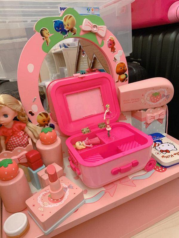 Yêu con gái như đại gia Đức An: Mới sinh tặng biệt thự, lớn chút có phòng đồ chơi riêng-12
