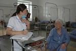 Lượng bệnh nhân đột quỵ, suy tim, viêm phổi GIA TĂNG tại các bệnh viện trong những ngày nắng nóng