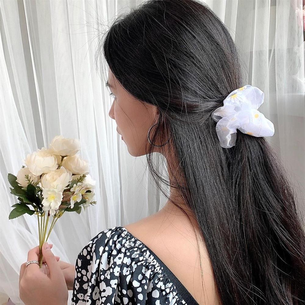 Chán tóc xõa thì còn đến 5 kiểu tóc siêu xinh, siêu mát để diện cùng váy vóc Hè này-6