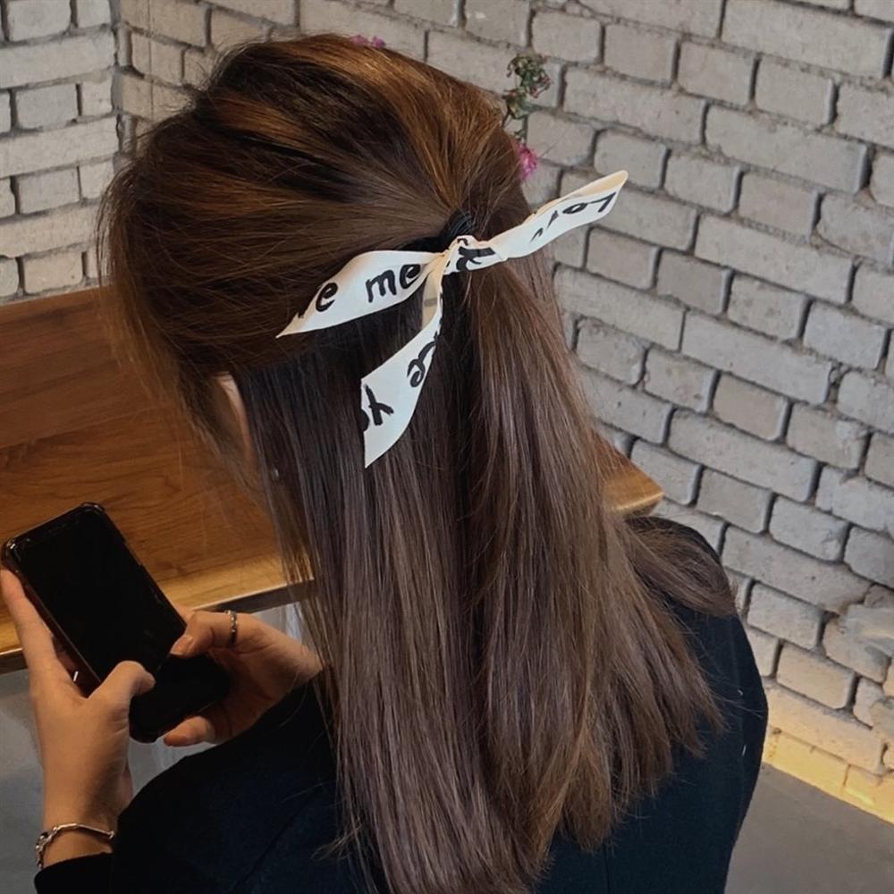 Chán tóc xõa thì còn đến 5 kiểu tóc siêu xinh, siêu mát để diện cùng váy vóc Hè này-8
