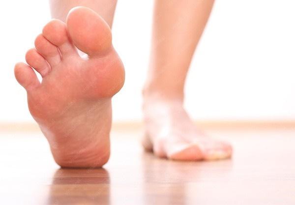 Dấu hiệu từ bàn chân cảnh báo gan rất yếu hoặc người đang chứa khối u-3