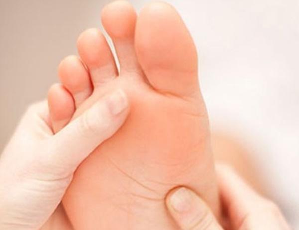 Dấu hiệu từ bàn chân cảnh báo gan rất yếu hoặc người đang chứa khối u-4