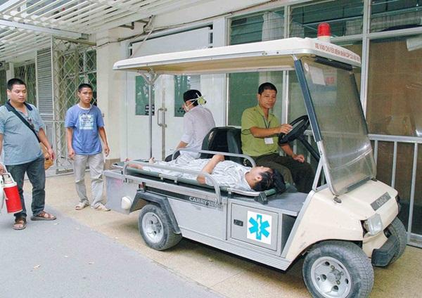 Bệnh viện Bạch Mai lên tiếng sau vụ việc hàng loạt nhân viên bị sa thải-4