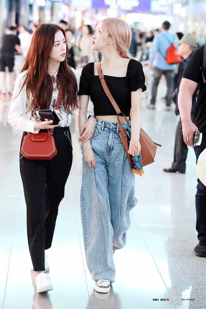 """Có một kiểu quần jeans sao Việt phát cuồng"""" mới đây nhưng Rosé thì đã diện suốt từ năm ngoái mới tài-1"""