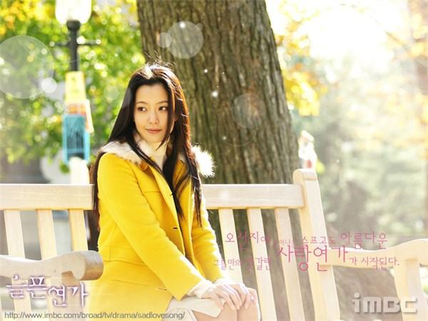 Kim Hee Sun - Người phụ nữ duy nhất tự tin khẳng định đẹp hơn Kim Tae Hee: Từng đau đớn tới mức muốn giải nghệ, bỏ xứ ra đi vì ngoại hình con gái bị miệt thị-3