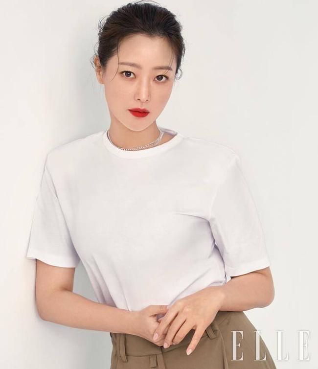 Kim Hee Sun - Người phụ nữ duy nhất tự tin khẳng định đẹp hơn Kim Tae Hee: Từng đau đớn tới mức muốn giải nghệ, bỏ xứ ra đi vì ngoại hình con gái bị miệt thị-9