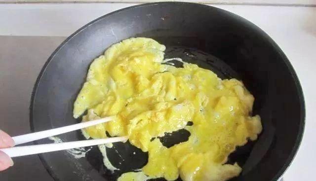 Chưng trứng trong nhiều năm giờ mới biết, trứng và cà chua không thể nấu cùng lúc-1