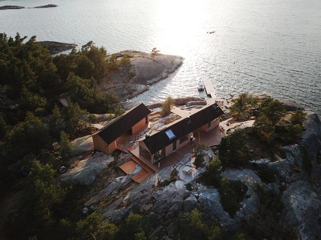 Ngắm nhà gỗ tuyệt đẹp nằm giữa đảo, bốn bề đều nghe tiếng sóng biển-3