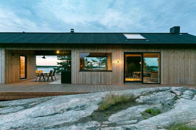 Ngắm nhà gỗ tuyệt đẹp nằm giữa đảo, bốn bề đều nghe tiếng sóng biển-4
