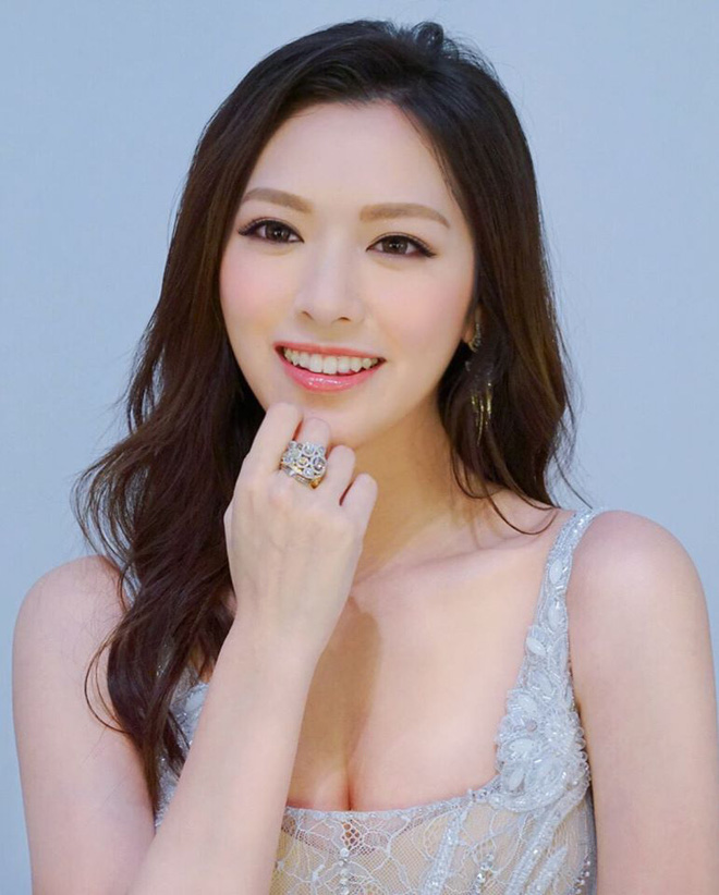 Hoa hậu Hong Kong hẹn hò thiếu gia sòng bạc Macau: Gia thế khủng và gợi cảm cỡ nào?-7