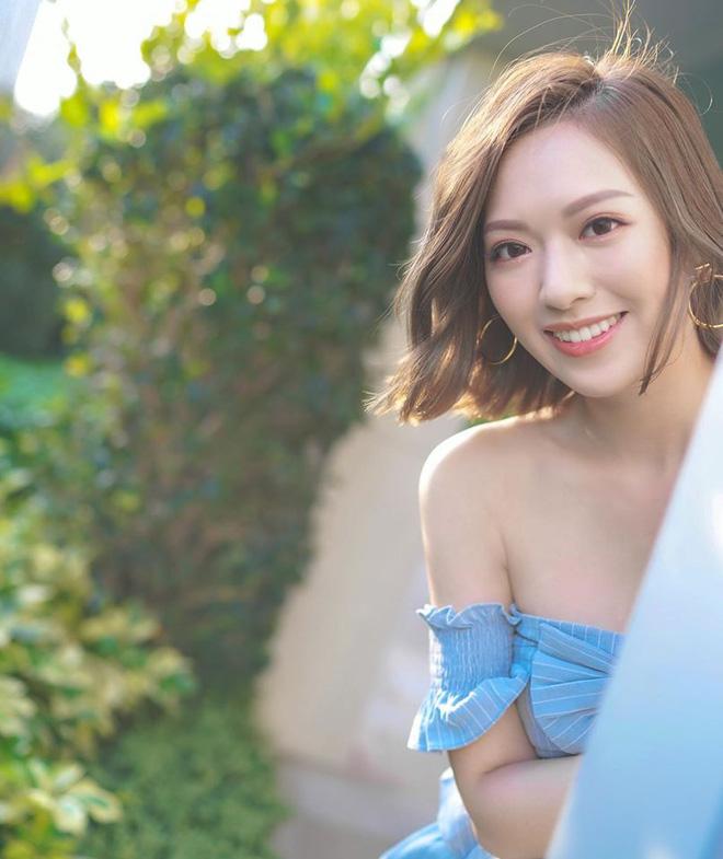 Hoa hậu Hong Kong hẹn hò thiếu gia sòng bạc Macau: Gia thế khủng và gợi cảm cỡ nào?-23