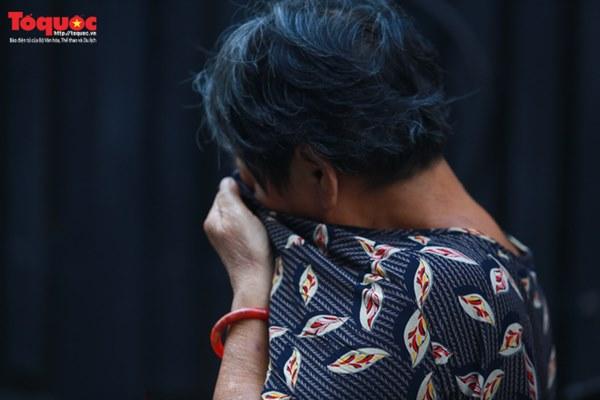 Bí thư Nguyễn Thiện Nhân bật khóc khi viếng bé trai bị cây phượng vĩ đè tử vong tại trường-7