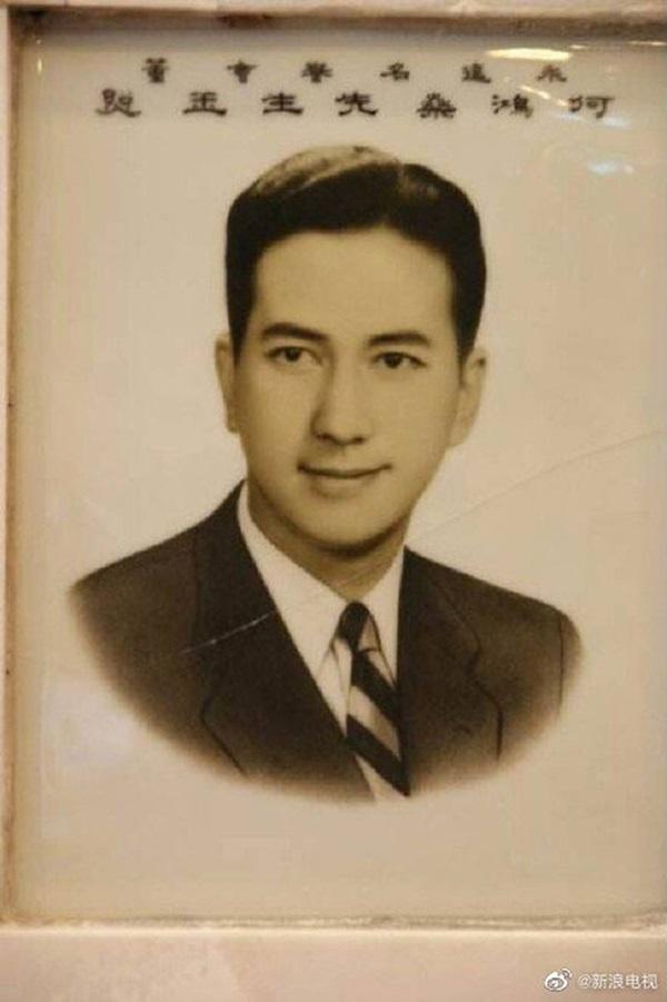 Hé lộ những bức ảnh thời trẻ của vua sòng bạc Macau Hà Hồng Sân: Nhan sắc cực phẩm, tài năng và giàu có đúng chuẩn nam thần ngôn tình đời thực-5