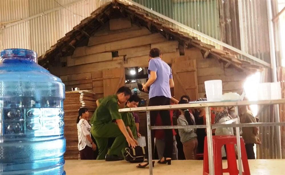 Lâm Đồng: Một học sinh lớp 4 chết trong tư thế treo cổ-1
