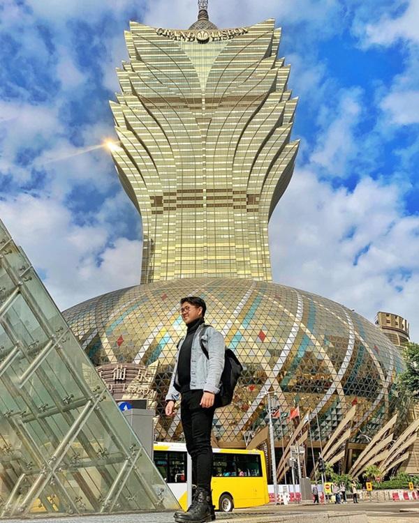 """Cận cảnh công trình để đời nhất của ông trùm"""" sòng bạc Macau vừa qua đời: Toà nhà hình búp sen vàng khổng lồ, hình check-in ngập tràn MXH-7"""