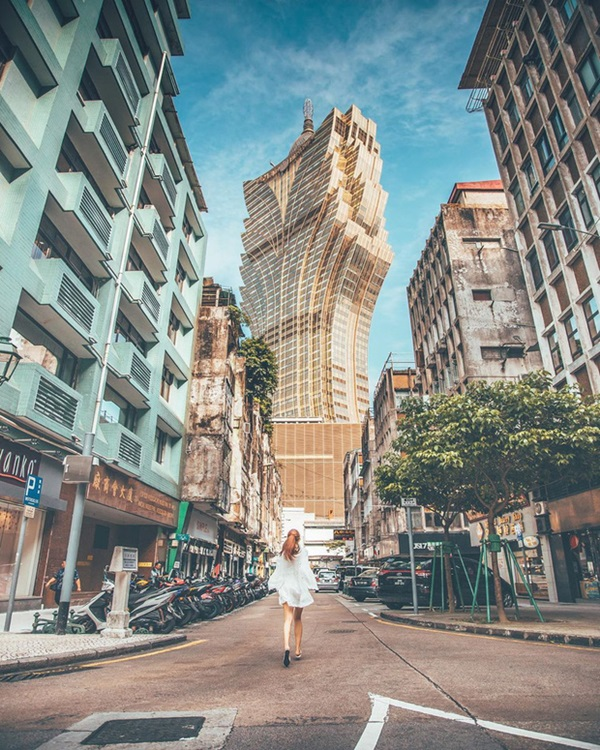 """Cận cảnh công trình để đời nhất của ông trùm"""" sòng bạc Macau vừa qua đời: Toà nhà hình búp sen vàng khổng lồ, hình check-in ngập tràn MXH-9"""