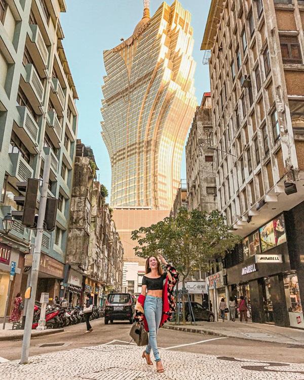 """Cận cảnh công trình để đời nhất của ông trùm"""" sòng bạc Macau vừa qua đời: Toà nhà hình búp sen vàng khổng lồ, hình check-in ngập tràn MXH-14"""