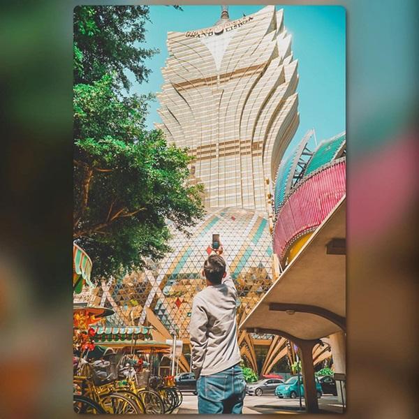 """Cận cảnh công trình để đời nhất của ông trùm"""" sòng bạc Macau vừa qua đời: Toà nhà hình búp sen vàng khổng lồ, hình check-in ngập tràn MXH-19"""