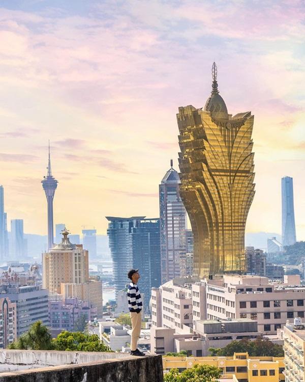 """Cận cảnh công trình để đời nhất của ông trùm"""" sòng bạc Macau vừa qua đời: Toà nhà hình búp sen vàng khổng lồ, hình check-in ngập tràn MXH-20"""