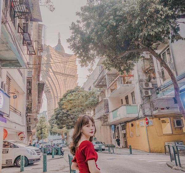 """Cận cảnh công trình để đời nhất của ông trùm"""" sòng bạc Macau vừa qua đời: Toà nhà hình búp sen vàng khổng lồ, hình check-in ngập tràn MXH-23"""