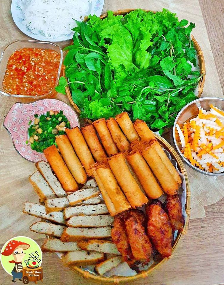 Chỉ nấu cơm 2 bữa/tuần, lại thích bày món ăn lên mẹt, 9X khiến chồng tăng cân đều mỗi tháng-12