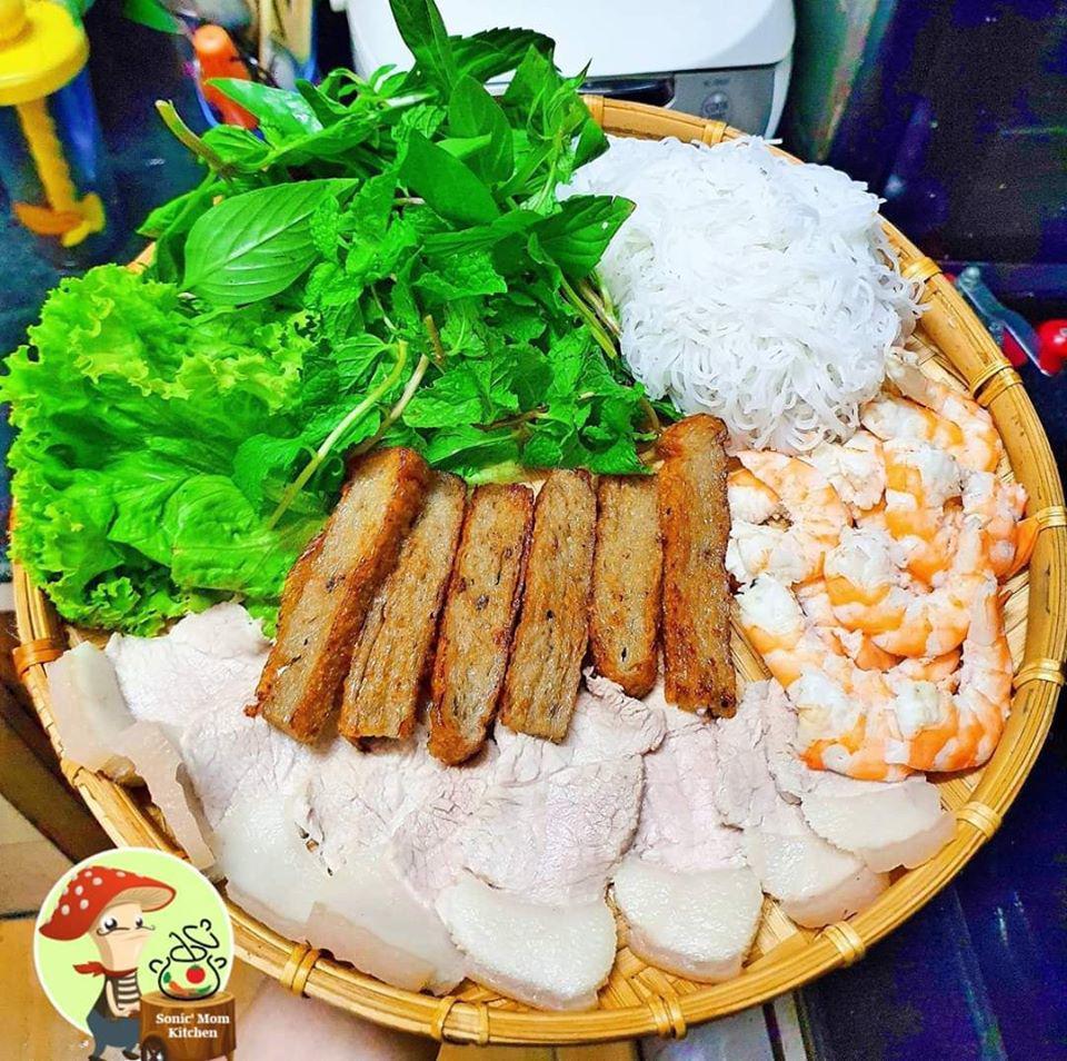 Chỉ nấu cơm 2 bữa/tuần, lại thích bày món ăn lên mẹt, 9X khiến chồng tăng cân đều mỗi tháng-14