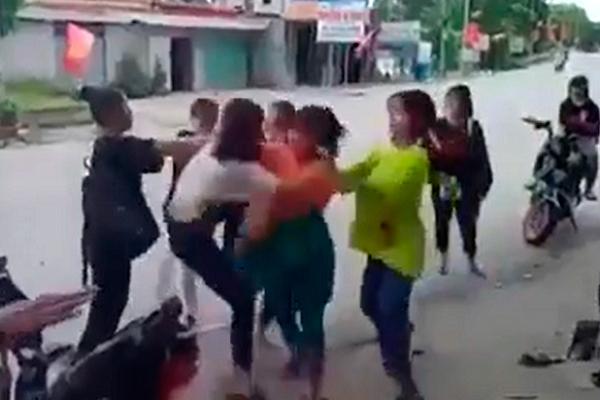 Nữ sinh ở Hà Tĩnh bị nhóm bạn đánh hội đồng phải nhập viện-1