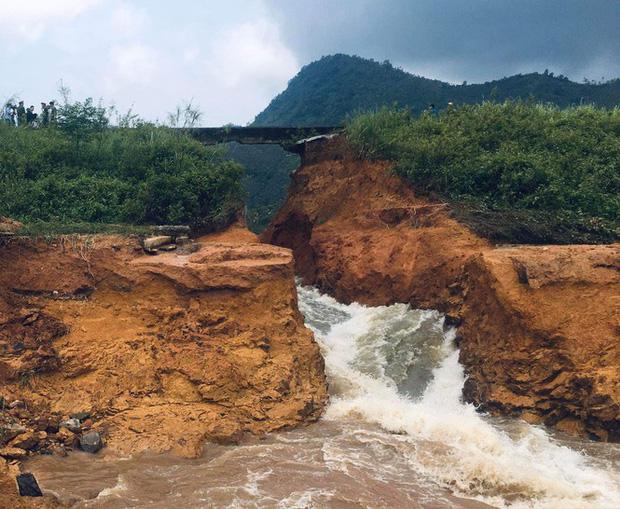 Phú Thọ vỡ đập thủy lợi, khẩn cấp di dời các hộ dân-2