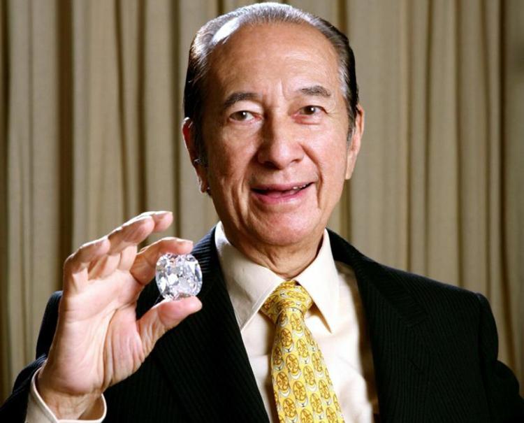 Chỉ 1 câu nói nhưng là bài học khắc cốt ghi tâm giúp con trai ông trùm sòng bạc Macao Hà Hồng Sân thành công hơn người-1